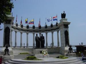 Guayaquil_LaRotonda_Bolivar_SanMartin